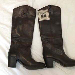 Frye boots size 7.5 brown boots
